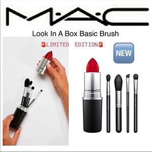 🆕MAC Look In A Box Basic Brush Set w/ 💄 Case